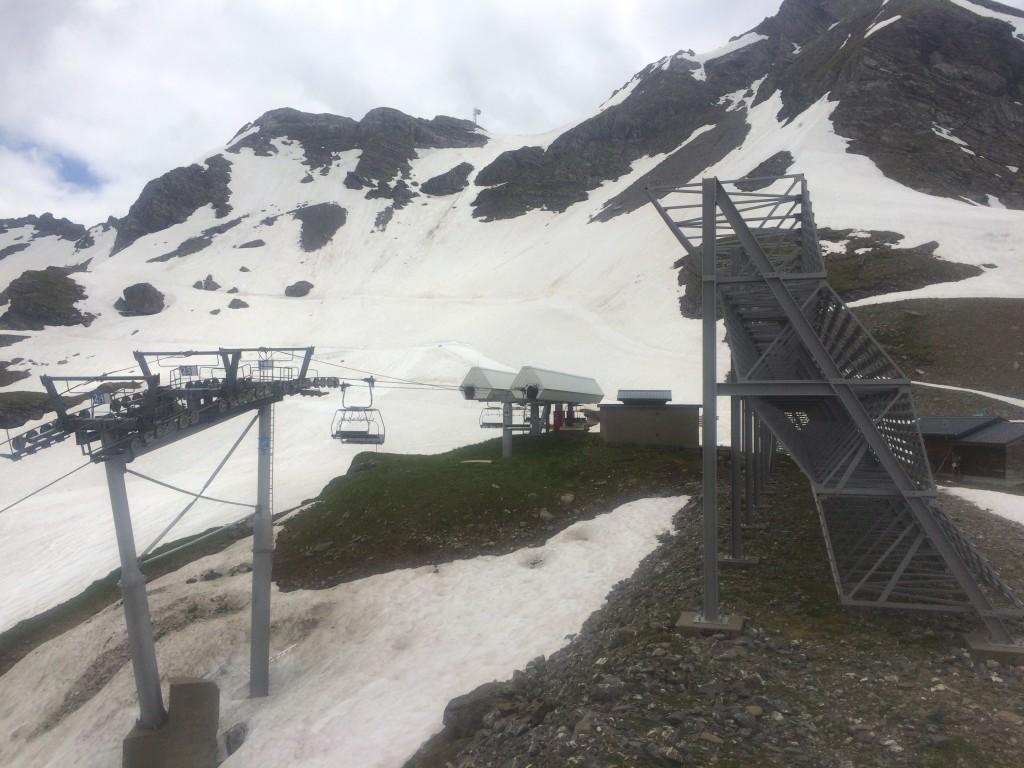 Avoriaz : départ des Prodains (1182 m) arrivée au sommet du télésiège du Lac Intrets (2189 m). Observation : une marmotte, un papillon Machaon.