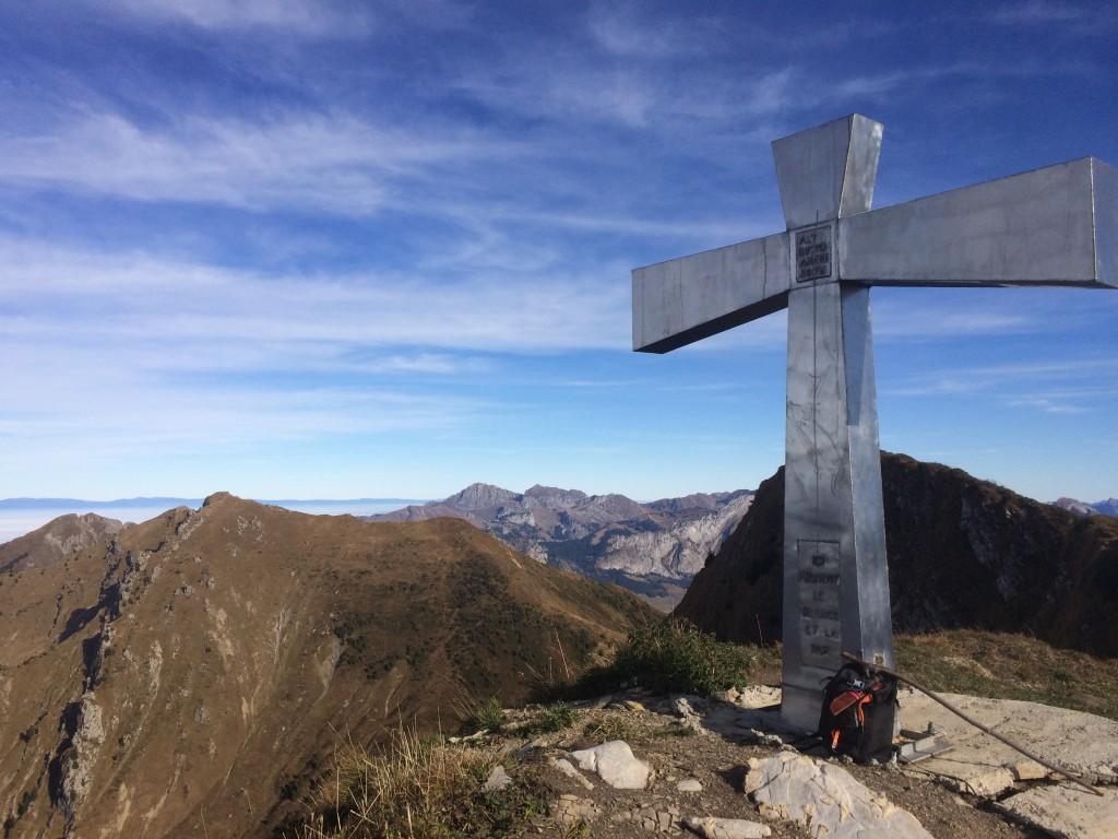 Départ du hameau du Pas  Montriond 950 m, arrivée à la pointe de Nanteaux 2170 m. Observation : trois aigles royaux.