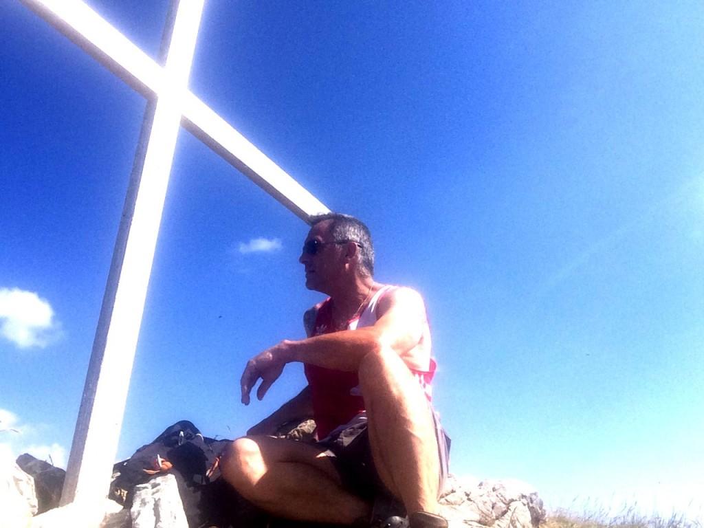 Roc d'enfer 2244 m, départ Foron, montée et descente par le col Ratti. Observations : un aigle royal, un faucon crécerelle, six ampoules aux pieds pour avoir oublié mes chaussettes. La dernière heure de descente fut un véritable enfer ;-)