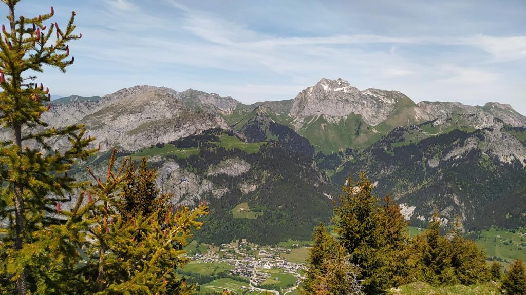 Les Cornettes 2432 m, vue du col de la Corne 2159 m