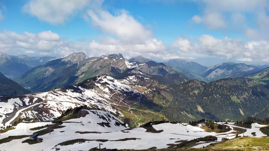 Départ Pré la Joux Châtel arrivée au sommet de Cornebois 2200 m.